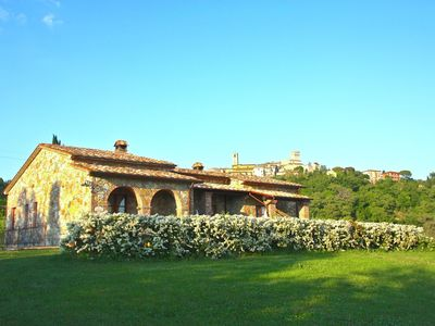 Farmhouse with private pool, near thermal pools, breathtaking views