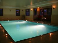 Luxurious House with indoor heated swimming pool 20mins to Edinburgh