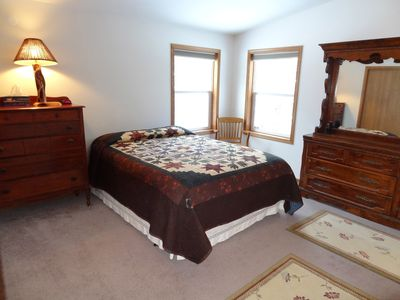 Duluth house rental - Master bedroom with queen bed