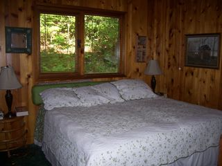 Lake Rescue chalet photo - Downstairs Bedroom