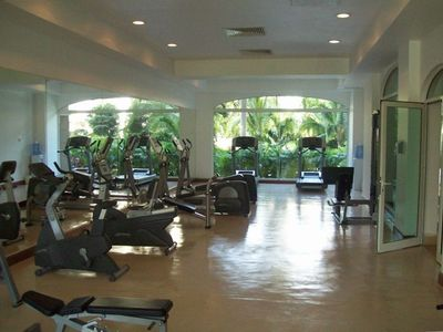 Spa/Gym looking N toward treadmills