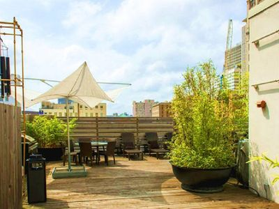 Stay Alfred Room for 8 Downtown, Rooftop Deck! UL3