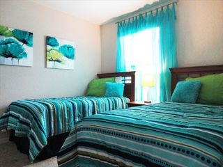 Regal Palms townhome photo - Green & Blue room has twin beds