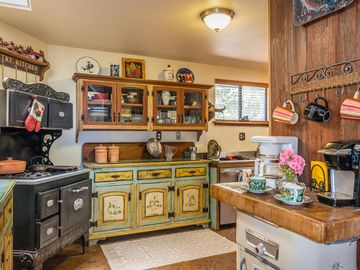Arroyo Grande farmhouse rental - This truly is a farmhouse kitchen!