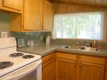 Cabin Kitchen- Fully stocked w dishes, glasses etc.