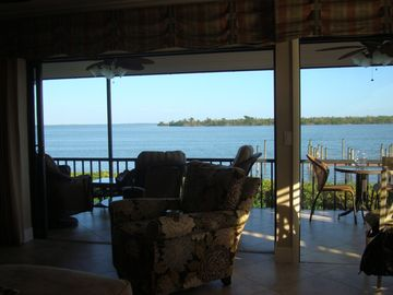 Great place to watch dolphin, manatee, osprey, herons, roiseatte spoonbills, etc