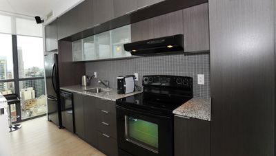 Toronto condo rental - Kitchen