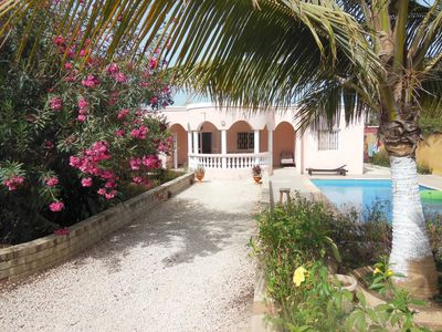 quiet villa with private pool; Promotion June and July; 200 EURO the week