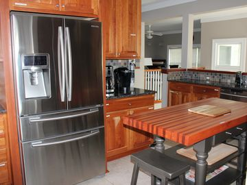 4 BR/3.5 BA, SLEEPS 14, SCREEN PORCHES, GOURMET KITCHEN