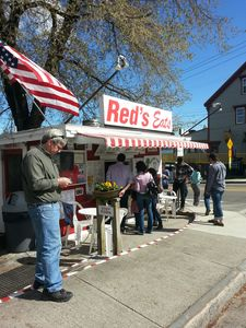 Red's Eats famous for the best lobster rolls in Maine is just a 10 minute drive