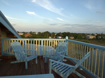 4th level lookout deck is great for star gazing.