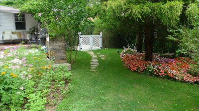 Bridgehampton cottage rental - beautiful gardens