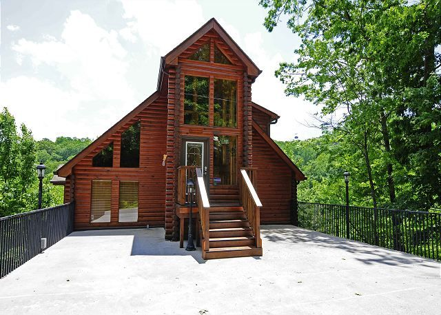 Gatlinburg cabin rental 2 bedroom log mountain view for Nuvola 9 cabin gatlinburg