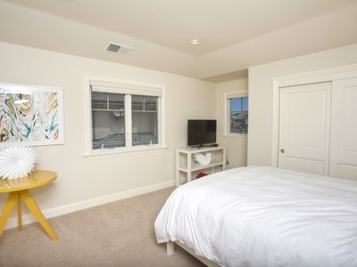 Same bedroom as picture 13