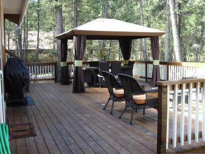 Back Deck & BBQ - accommodates up to 12 Guess