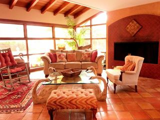 Living room with fireplace - La Jolla house vacation rental photo