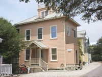 'Spinnaker'  -Cozy and Affordable Family Rental in Seaside, FL. FREE DVD rentals
