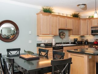 Lincoln City condo photo - Spacious Kitchen and Dining for Six