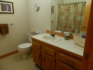 Carrabassett Valley condo photo - Upper unit: Second bathroom