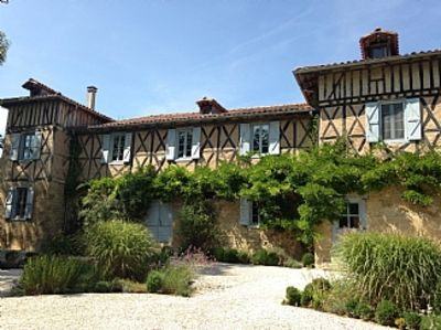 Chateau In beautiful countryside with pool, tennis court and stunning views.