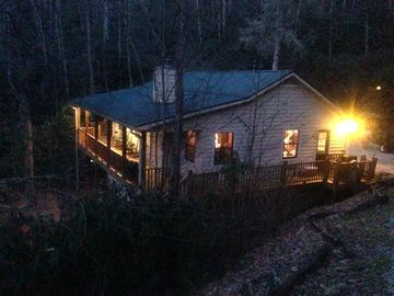 Lake Nantahala cabin rental - Cabin Fever at its best!
