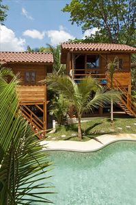 Pool & Bungalows