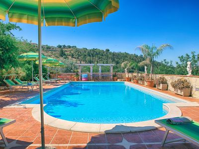 5 bdrs villa,tennis court,private pool,playground,petting zoo,tree house.