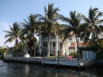 Marathon house rental - Enough Room to Dock 2 Boats