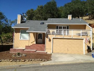 Lake Berryessa house rental - front of house