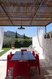 Villa, private heated pool, beautiful view of the Alpilles, air conditioned, quiet