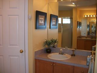 Tuscan Ridge villa photo - Master Bath dual Vanities, private toilet and double sized shower.