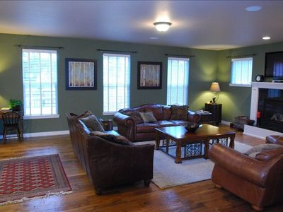 Large, cozy family room (Bigger than photos make it look!)
