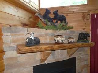 Gatlinburg cabin photo - Fire Place Mantel