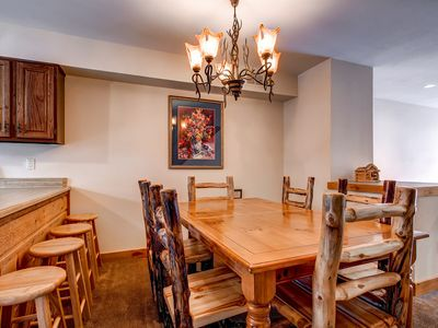 Breckenridge townhome rental - Cedars Townhomes Dining Ski-in/Ski-Out Breckenridge Lodging