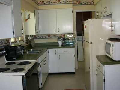Bright and sunny, fully equipped kitchen