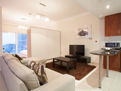415 Spacious and Stylish One Bedroom