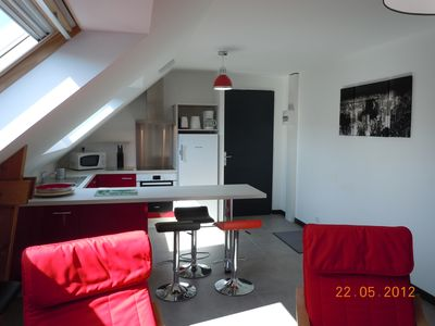 APPT IN CONTEMPORARY HOUSE quiet with garden area