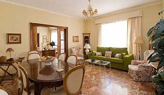 Apartment In The Center Of Cordoba, 5 Minutes Walk From The Mosque And All Artis