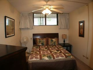 Haleiwa condo photo - Queen Bed Room with AC and Full Bathroom