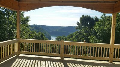 BRAND NEW LAKE VIEW HOME WITH BEAUTIFUL MOUNTAIN VIEWS ON CENTER HILL LAKE TN.