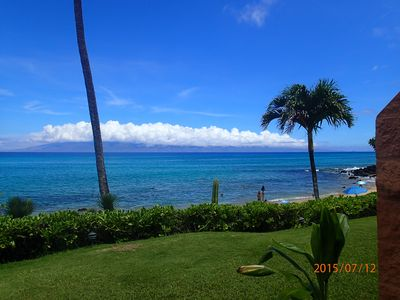 Only steps from the water edge from the lanai to enjoy the beach and sunsets