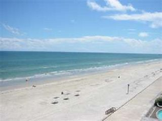 Same seawall beach area during the off season. Very nice area to walk & relax - Corpus Christi condo vacation rental photo
