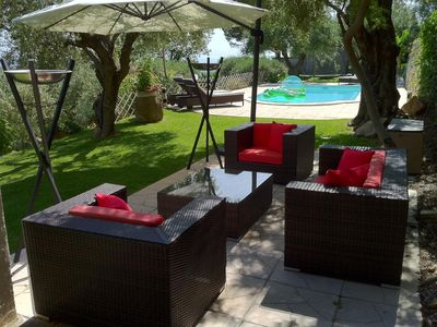 The 'Mas des Oliviers' villa, panoramic view, heated pool and design furniture