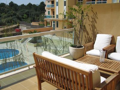 VeryGood apart. Pool, terrace 20 m2, WIFI, private parking space,350m beac