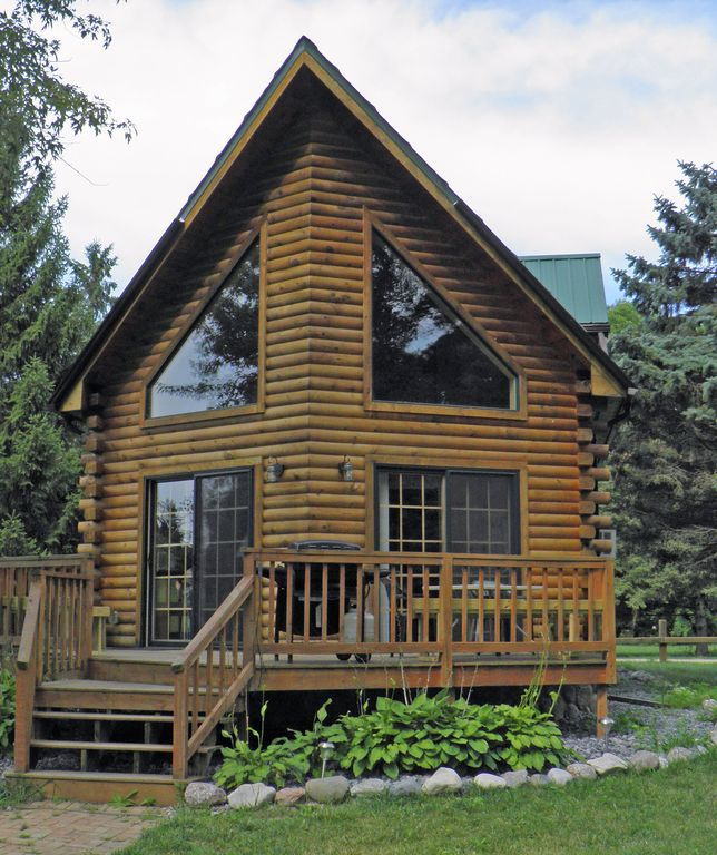 Luxurious waterfront log cabin vrbo for Vrbo wisconsin cabins