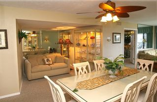 Sanibel Island condo photo - Cozy reading alcove off dining room