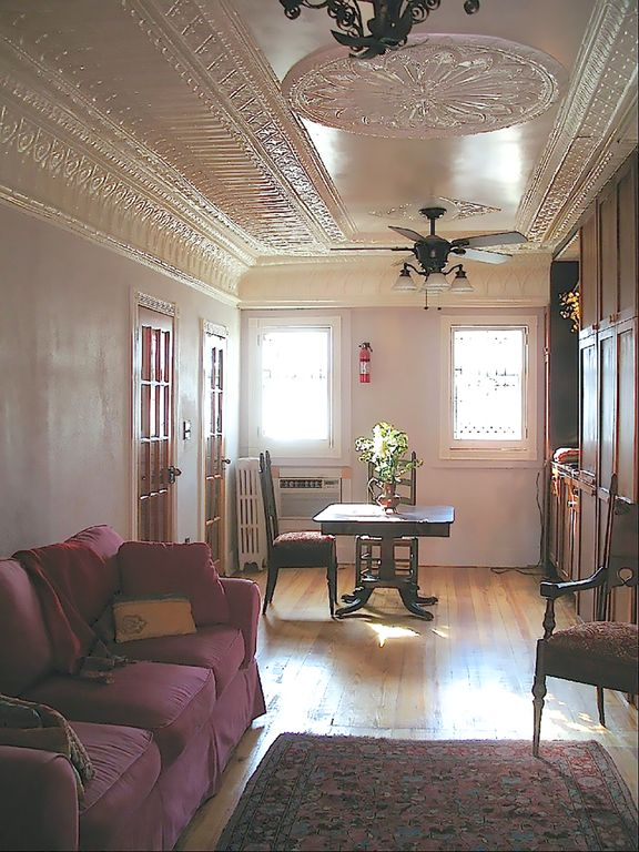 Charming old House, stylish decor, private apartment-Park Slope/Gowanus