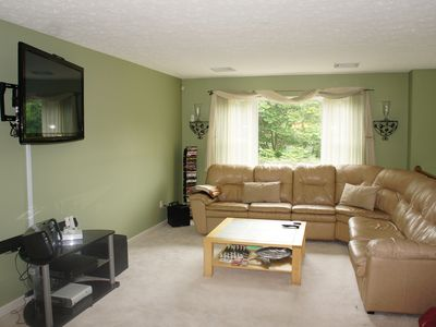 Large living room to accommodate everyone comfortably.