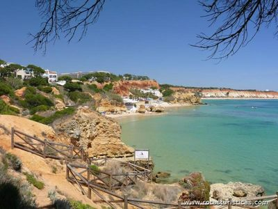 T3-Duplex Albufeira along the beach of Olhos de Agua, with internet
