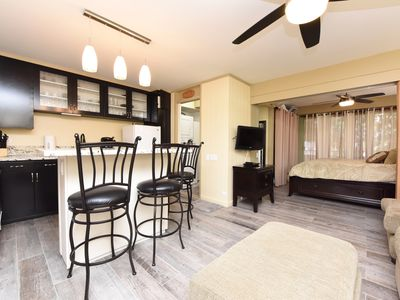 PRIVATE END-UNIT Condo Suite in Heart of Waikiki, steps from beach, sleeps 5*